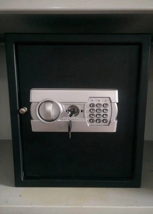 Black Powder Coated Small Gun Safe LG-522 Digital Entry For Personal User